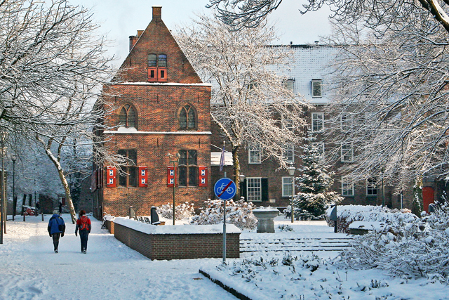 Broerenkerkplein in de winter